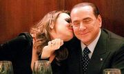Silvio Berlusconi: Αγόρασε… βίλα στην 30χρονη σύντροφό του