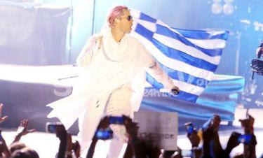 Με την ελληνική σημαία στην σκηνή ο Jared Leto, αποθέωσε την Ελλάδα