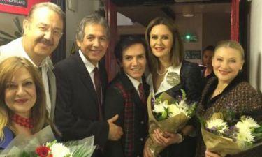 «Μάντεψε ποιος θα πεθάνει απόψε»: Αποθεώθηκαν οι Έλληνες πρωταγωνιστές στο Λονδίνο (φωτό)!