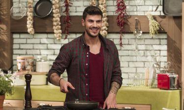 Ο Άκης Πετρετζίκης ξανά στην κουζίνα του Mega στις 12 Οκτωβρίου