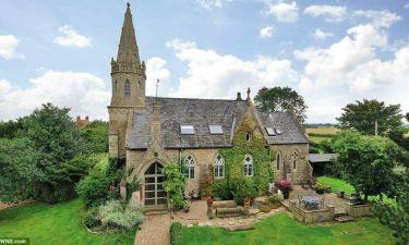Γοτθική εκκλησία πωλείται για κατοικία - Διαθέτει και νεκροταφείο (photos)