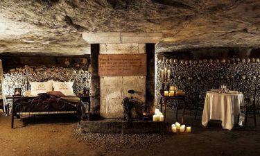 Δωμάτιο μέσα στις κατακόμβες με χιλιάδες κρανία για ντεκόρ; Τώρα υπάρχει!