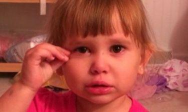 Αυτή η μικρή προσπαθεί να πείσει τον μπαμπά της ότι η Barbie την ανάγκασε να κάνει την αταξία!