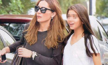 Δέσποινα Βανδή: Με τη κόρη της στην Γλυφάδα