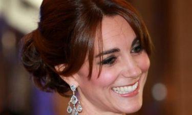 Συλλεκτικές φωτογραφίες: Η Kate Middleton εμφανίστηκε χωρίς σουτιέν!