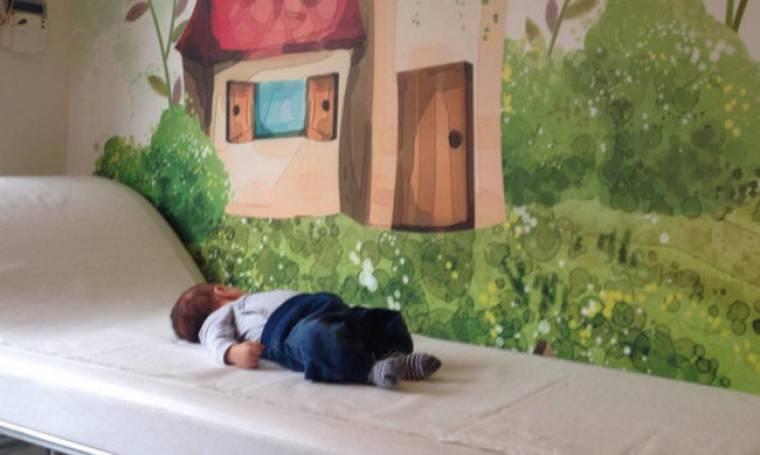 Πήγε τον γιο του πρώτη επίσκεψη στον παιδίατρο!