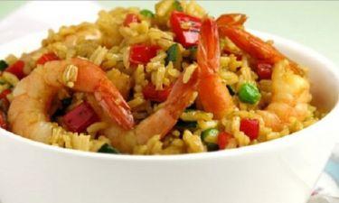 Τηγανιτό ρύζι με λαχανικά και γαρίδες