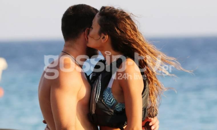 Tα καυτά φιλιά στη Μύκονο κράτησαν μόνο για το καλοκαίρι