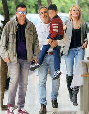 Οικογενειακός περίπατος στο κέντρο της Αθήνας