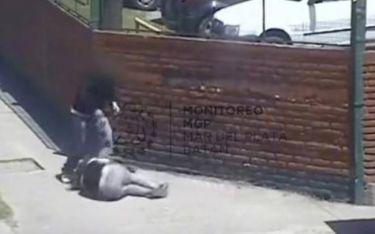 Γυναίκα ξυλοκοπήθηκε και κανείς δεν έδωσε σημασία