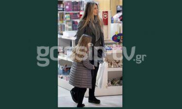 Κατερίνα Λάσπα: Με την κόρη της για ψώνια