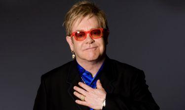 Elton John: Η αγάπη που δεν πήρε, το αλκοόλ και τα ναρκωτικά