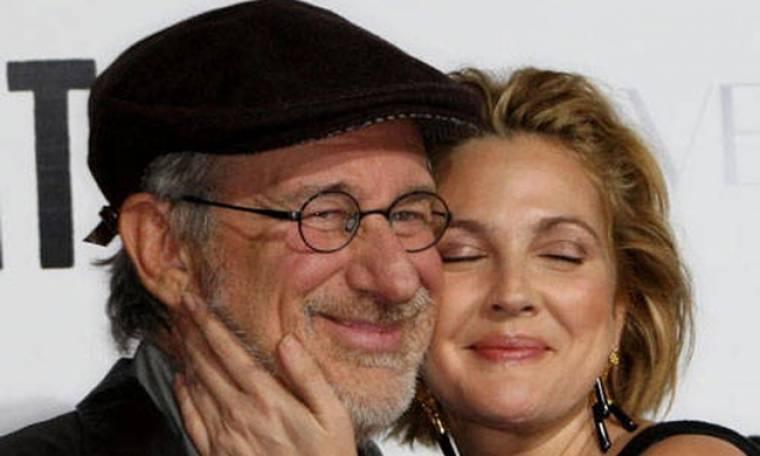 Drew Barrymore: Η λατρεία της για τον νονό της, Steven Spielberg