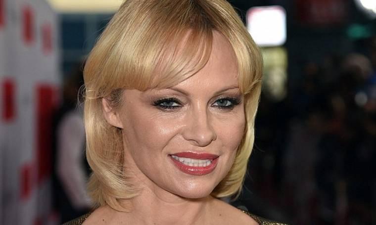 Η Pamela Anderson στο πέρασμα των χρόνων –Δείτε πώς ήταν πριν 25 χρόνια και πριν τις... πλαστικές!