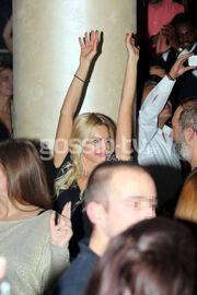 Ποιος είναι single; Να σηκώσει το χέρι!