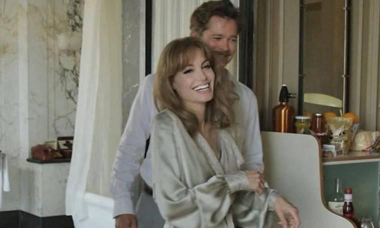 H Jolie μιλάει για τις ερωτικές σκηνές της με τον Pitt και αποκαλύπτει...