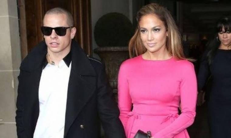 Η Jennifer Lopez και ο Casper Smart κάνουν το επόμενο (και σοβαρό) βήμα στη σχέση τους