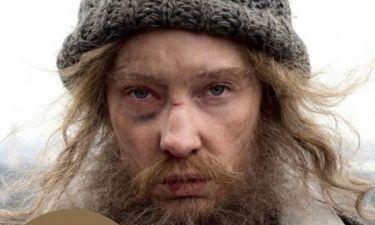 Δεν είναι ένας άστεγος άντρας αλλά μία τεράστια star του Hollywood: Μαντεύετε;