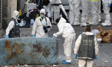 Συγκλονίζουν οι φωτογραφίες από τη μάχη αστυνομικών-τρομοκρατών στο διαμέρισμα του Σεν Ντενί