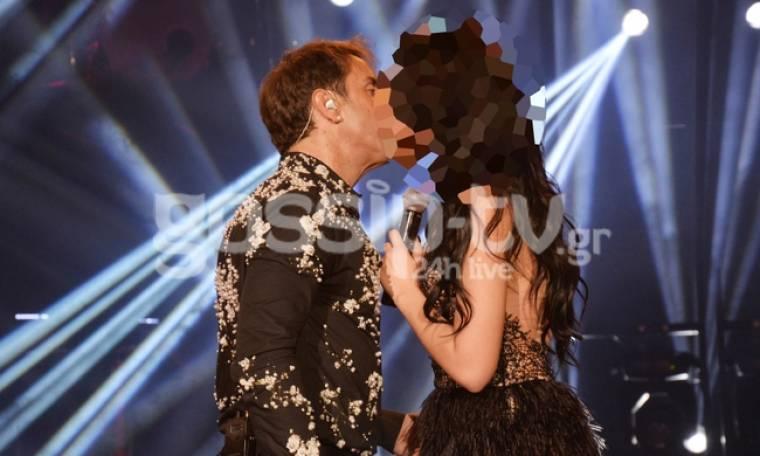 Ποια φιλάει παθιασμένα ο Γιώργος Μαζωνάκης;