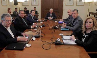 Συμβούλιο πολιτικών αρχηγών: Ο Τσίπρας ψάχνει κολυμβήθρα του Σιλωάμ