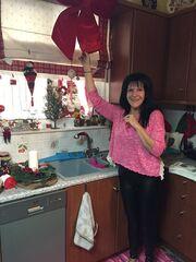 Σοφία Βόσσου: Στόλισε χριστουγεννιάτικα στο σπίτι, πίνει και ένα τσιπουράκι
