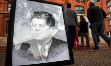 Μυστήριο με τη δεύτερη ταινία που καταγράφει τη δολοφονία του Κένεντι
