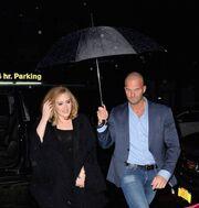 Ο σωματοφύλακας της Adele έχει «κάψει» καρδιές