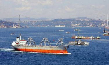 Τύμπανα πολέμου - Η Τουρκία έκλεισε τα Στενά του Βοσπόρου