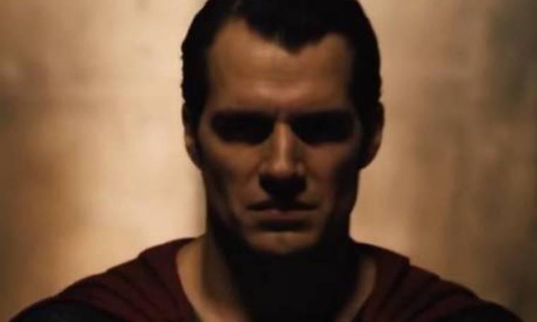 Οι Warner Bros δημοσίευσαν ένα teaser της νέας ταινίας Μπάτμαν εναντίον Σούπερμαν