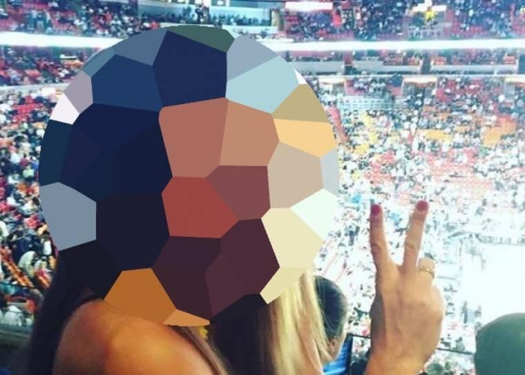 Ελληνίδα παρουσιάστρια σε αγώνα NBA