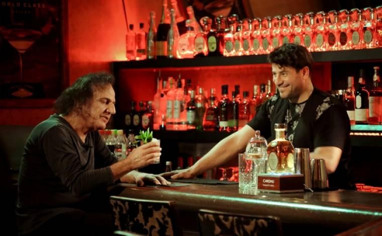 «Barman»:Ο  Αλέξης Γεωργούλης υποδέχεται τον Βασίλη Παπακωνσταντίνου