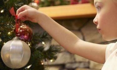 Ιδέες για να απασχολήσετε τα παιδιά σας στο σπίτι τις διακοπές των Χριστουγέννων