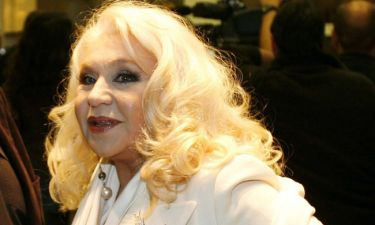 Τιτίκα Στασινοπούλου: «Ακόμα δεν έχει βγει το διαζύγιό μου από τον Παπαζήση»