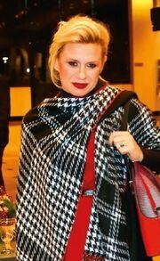 Κατερίνα Καραβάτου: Στη Θεσσαλονίκη για τη μαμά της!