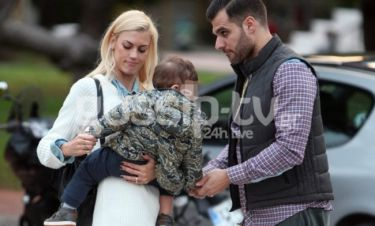 Βάσω Κολλιδά-Γιάννης Εμμανουηλίδης: Αγκαλιά με τον γιο τους στην Γλυφάδα