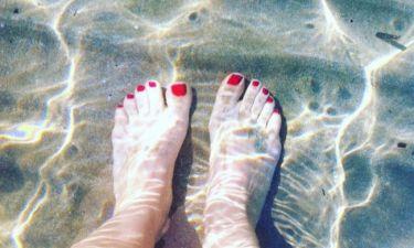 Ποια ηθοποιός κάνει μπάνιο στη θάλασσα, σήμερα μες στο καταχείμωνο;