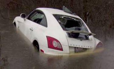 Καλός Σαμαρείτης σώζει οδηγό από βέβαιο πνιγμό