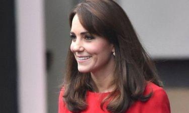 Η σχεδόν σοκαριστική λεπτομέρεια πίσω από αυτή την εμφάνιση της Kate Middleton