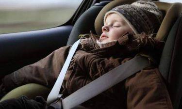 Αυτό πρέπει να το δουν όλοι! Γιατί δεν πρέπει το παιδί να φορά μπουφάν στο αυτοκίνητο; (videos)