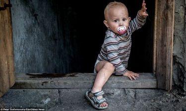 Μάνες που γεννούν στην εμπόλεμη ζώνη, αποπειρώνται να σκοτώσουν τα παιδιά τους!