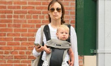 Η φωτογραφία της Olivia Wilde με τον γιο της, που έκανε έξαλλες εκατοντάδες μαμάδες