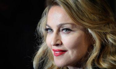 Madonna: Διαψεύδει μετά από 30 χρόνια ότι την κακοποίησε o Sean Penn