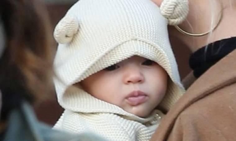Σκέτη γλύκα: Δείτε το πανέμορφο μωρό στην αγκαλιά της διάσημης μαμάς του!