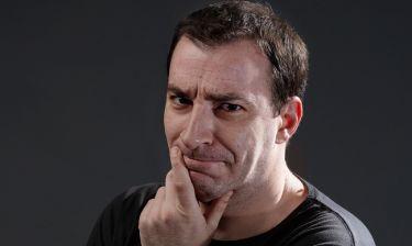 «Ακόμη πιο δύσκολα τα πράγματα»: Μία Stand up comedy αύριο το βράδυ στον Alpha