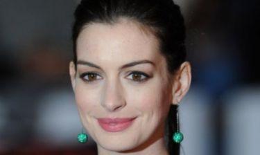 Δείτε πόσο μεγάλωσε η κοιλίτσα της Anne Hathaway