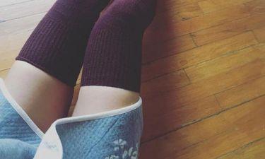 Έβαλε τις χειμωνιάτικες κάλτσες της και «κόλασε»!