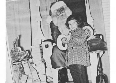 Γνωστή τραγουδίστρια θυμάται τα παιδικά της χρόνια τις μέρες των γιορτών