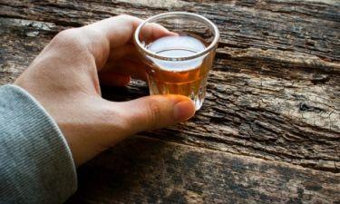 Πόσο αλκοόλ είναι ασφαλές; Τι λένει οι νέες κατευθυντήριες οδηγίες
