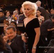 Η αντίδραση του Leonardo Di Caprio όταν η Lay Gaga τον έσπρωξε!